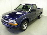 2002 Chevrolet S10 LS Regular Cab Data, Info and Specs