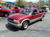 1998 Chevrolet S10 LS Extended Cab Front 3/4 View