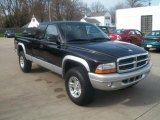 2003 Dodge Dakota SLT Club Cab 4x4 Data, Info and Specs