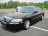 Lincoln Town Car 2006 Data, Info and Specs