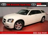 2005 Cool Vanilla White Dodge Magnum SXT AWD #48867382