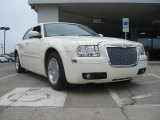 2005 Cool Vanilla Chrysler 300 Limited #49300351