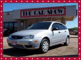 2005 CD Silver Metallic Ford Focus ZX5 S Hatchback #4933135