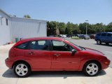 2005 Ford Focus ZX5 SES Hatchback Data, Info and Specs