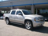 2007 Chevrolet Avalanche Z71 4WD Data, Info and Specs
