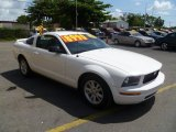 2005 Performance White Ford Mustang V6 Deluxe Coupe #49937821