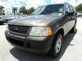 2003 Ford Explorer XLS Front 3/4 View
