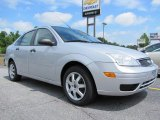 2005 CD Silver Metallic Ford Focus ZX4 SE Sedan #50912303