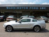 2005 Satin Silver Metallic Ford Mustang V6 Deluxe Coupe #50998486