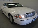 2004 Vibrant White Lincoln Town Car Ultimate #51288950
