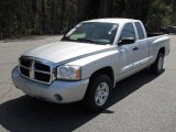 2005 Dodge Dakota SLT Club Cab Data, Info and Specs