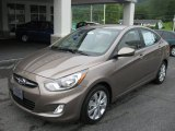 Hyundai Accent 2012 Data, Info and Specs