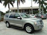 2008 Vapor Silver Metallic Lincoln Navigator Luxury #51988816