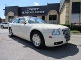 2005 Cool Vanilla Chrysler 300 Touring #52039822