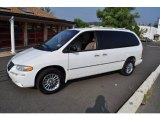 2000 Chrysler Town & Country Bright White