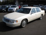 Cadillac DeVille 1998 Data, Info and Specs
