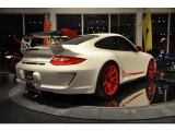 2010 Porsche 911 Carrara White/Guards Red