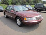 Lincoln Continental 2000 Data, Info and Specs