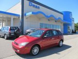 2003 Sangria Red Metallic Ford Focus ZX5 Hatchback #53005606