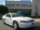 2002 Oxford White Ford Mustang V6 Coupe #520976