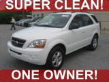 2009 Clear White Kia Sorento LX #53857195