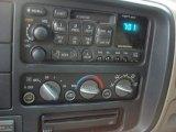 1999 GMC Suburban K1500 SLT 4x4 Audio System