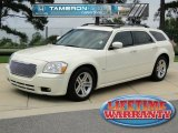 2005 Cool Vanilla White Dodge Magnum R/T #53982540