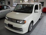 Nissan Cube 2010 Data, Info and Specs