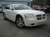 2005 Cool Vanilla White Dodge Magnum R/T AWD #54418276