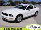 2007 Performance White Ford Mustang V6 Deluxe Coupe #5440607