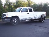 Summit White Chevrolet Silverado 3500 in 2003