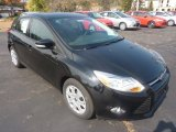 2012 Black Ford Focus SE 5-Door #55450308