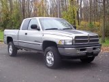 1999 Dodge Ram 1500 SLT Extended Cab 4x4 Data, Info and Specs