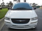 2000 Chrysler Town & Country Golden White Pearl