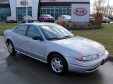 Oldsmobile Alero Data, Info and Specs