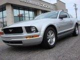 2009 Brilliant Silver Metallic Ford Mustang V6 Premium Coupe #58090058
