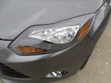 2012 Ford Focus Titanium 5-Door Headlight