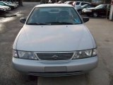 Nissan Sentra 1996 Data, Info and Specs