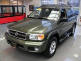 Nissan Pathfinder 2004 Data, Info and Specs