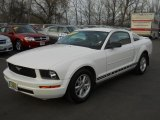2007 Performance White Ford Mustang V6 Deluxe Coupe #59416044