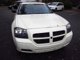 2005 Cool Vanilla White Dodge Magnum SE #59797122