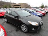 2012 Tuxedo Black Metallic Ford Focus SE 5-Door #60045226