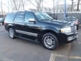 2007 Lincoln Navigator Ultimate 4x4 Front 3/4 View