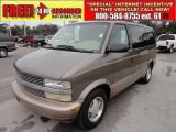 Medium Bronzemist Metallic Chevrolet Astro in 2000