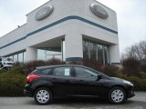 2012 Tuxedo Black Metallic Ford Focus SE 5-Door #60696118