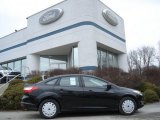 2012 Black Ford Focus SE Sedan #60839225