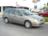 2003 Arizona Beige Metallic Ford Focus ZTW Wagon #6098214