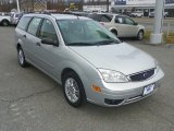 2005 CD Silver Metallic Ford Focus ZXW SES Wagon #61241823