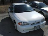 Hyundai Accent 1997 Data, Info and Specs