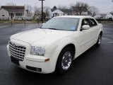 2005 Chrysler 300 Limited Data, Info and Specs